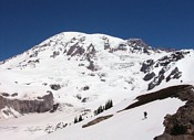 Mount Rainier climb: starting the descend to the Nisqually glacier