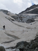 Approach to the Refuge des Ecrins: Claus-Dieter circumnavigating crevasses on the Glacier Blanc