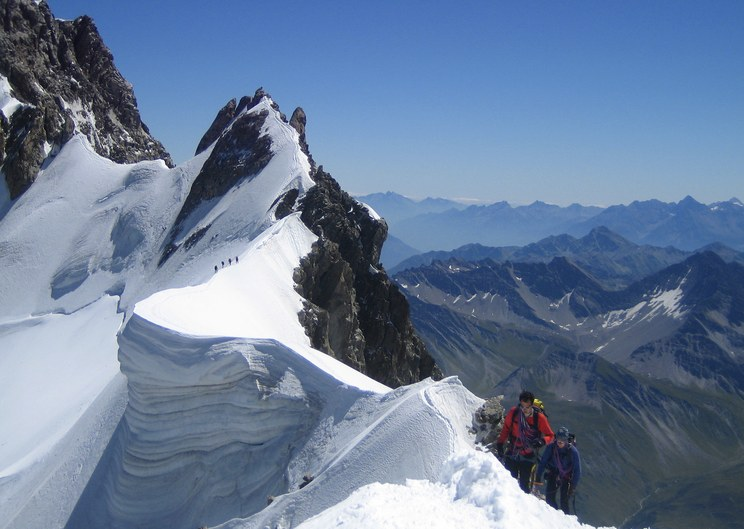 Salle a Manger: Arete de Rochefort with the famous cornice