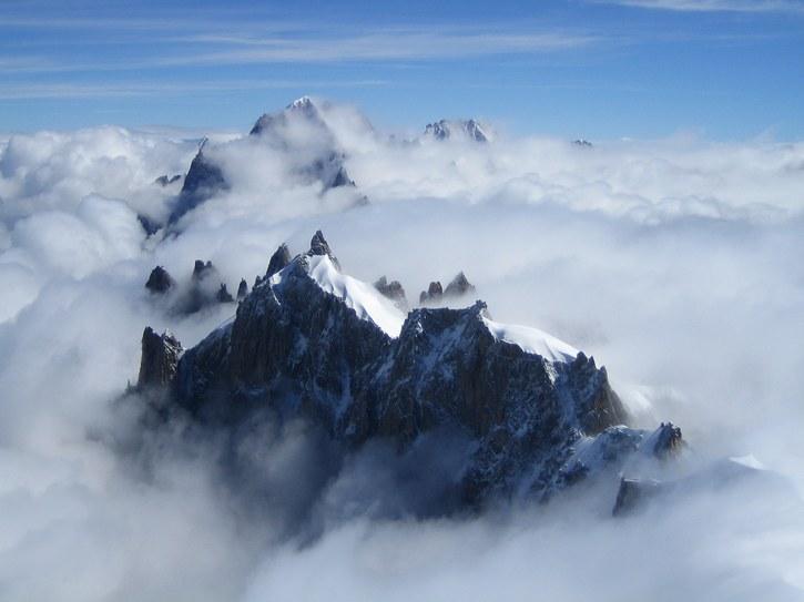 Aiguille du Midi: Aiguille du Plan (3673 m) with Midi Plan ridge