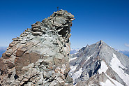 Zinalrothorn: climbers at the summit of Zinalrothorn